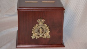 RCMP Double Cherry Urn in Mahogany Stain