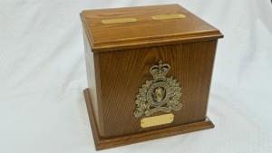 RCMP Double Urn in Oak
