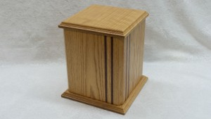 custom_urn_single_with_stripe_design